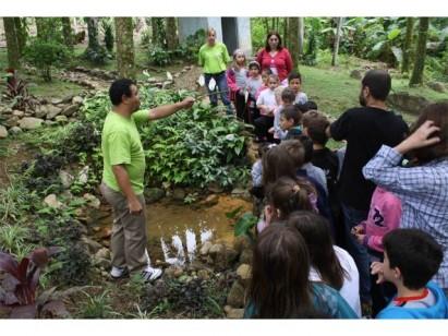 Projeto Viva Ciranda leva crianças de escolas públicas à vida rural