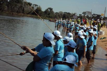 Pesca esportiva contagia a criançada no penúltimo dia da FIPe