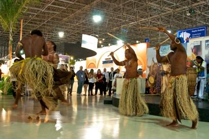 Danças típicas revelam mais do Brasil no Salão do Turismo