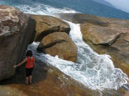 Pontão da Fortaleza é o paraíso do boulder em Ubatuba