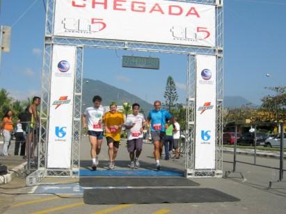 Bertioga recebe primeira etapa do Circuito Beach Cross 2011