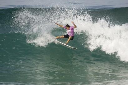 Mundial de surfe: Sereias dominam o segundo dia de disputa